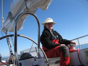Neben dem Ruder auf dem Cockpitsuell laesst es sich auch gut aushalten