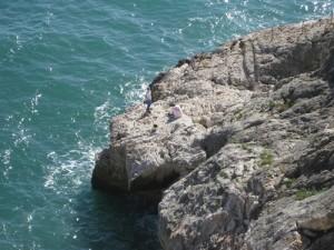 Rast auf einem Felsplateau - jetzt kommt gleich der Aufstieg