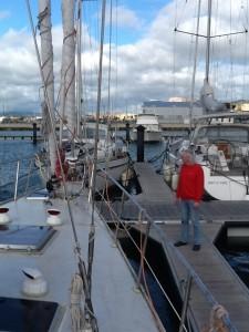 Der Skipper ist zufrieden mit dem neuen Liegeplatz