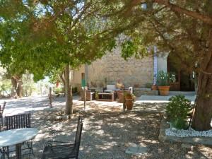 Pause in Ca'n Hereus - eine schoene alte Finca wird heute als Hotel und Restaurant genutzt