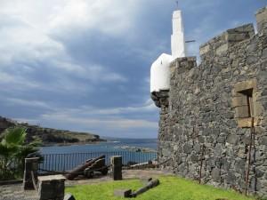 Am Ufer von Garachico - neben der alten Festung liegen die Meerwasserbecken