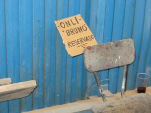 Sogar mit Platzreservierung - ueber die Qualitaet des Sitzmoebels wird hier nicht gestritten