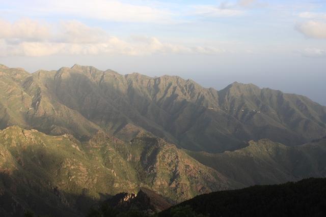 Anaga-Gebirge in den letzten Strahlen der Dezember-Abendsonne