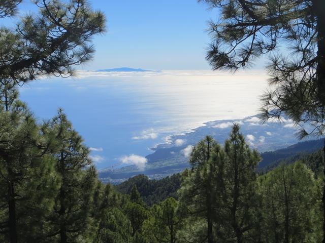 Inselblick - auf dem Weg zum Roque de los muchachos