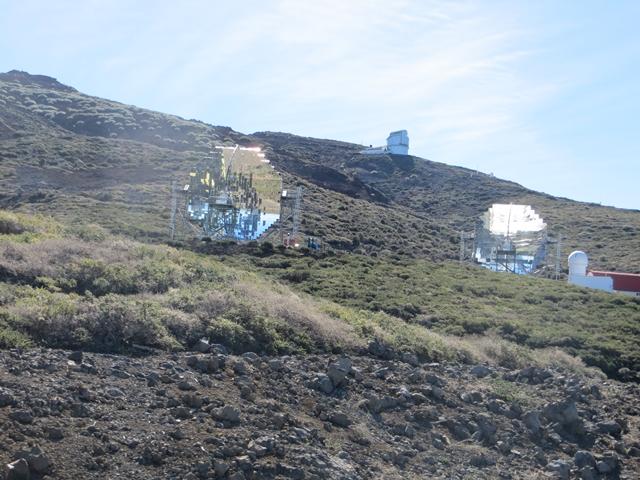 Etwas zu spaet ausgeloest - wenige Meter vorher haben die Parabolspiegel der Sternwarte noch die Umgebung gespiegelt