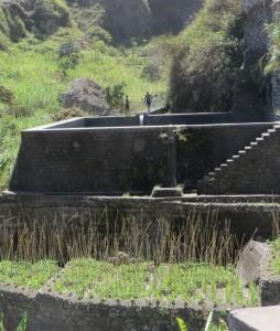 Wasserrueckhalte- und Schwimmbecken -universelle Nutzung im Ribeira da Paul
