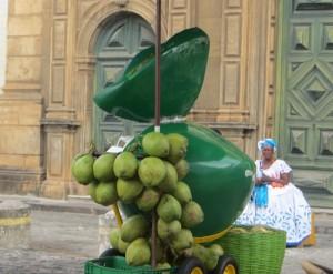 Kokostrinknuesse - ebenfalls beliebte Strassenverkaufsware
