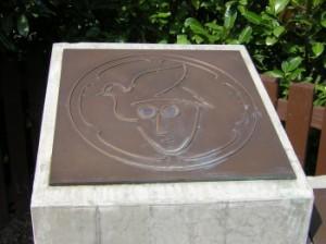 Teil 1 des John Lennon Monuments in Verden