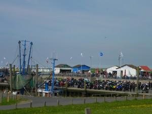 Motorrad-Treff im Dorumer Kutterhafen