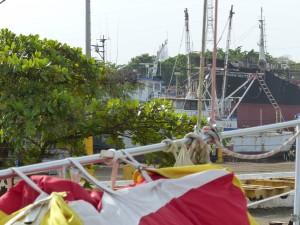 Ausblick auf die Nachbarwerft, die sich allerdings nur Berufsschiffen widmet
